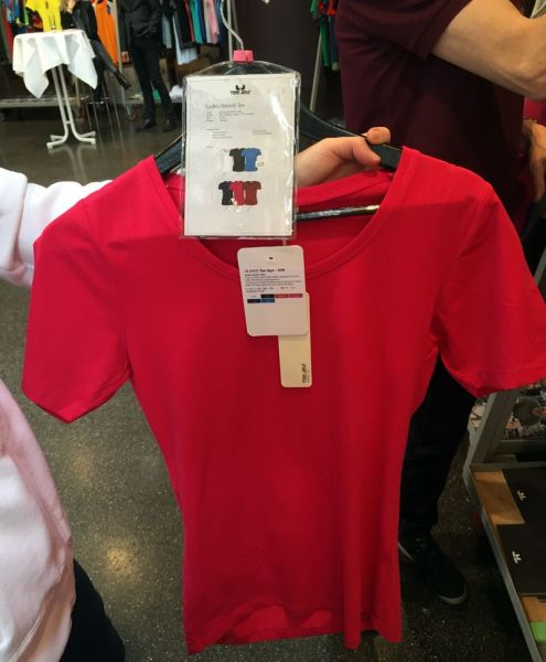 shirt-tailliert
